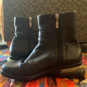 Black leather Nike Air Cole Hann sneaker boots